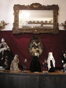 And the rest of the dolls in the shop, surrounded by the other exhibiting artists: Krisfoft, Kelly Louise Judd, Laetitia Miéral.